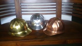 Helm ukir perak, helm ukir, helm tatah, pengrajin helm ukir kotagede, toko helm perak, helm ukir silver, helm tembaga, helm kuningan, helm alumunium, engraved hard hat, engraved hard hat for sale, engraved aluminum hard hat, brass hard hats, copper hard hats, engraved silver hard hat, personalized hard hats, carved hard hat, Carved helmet, hand carved hard hats, engraved hard hats indonesia, Silver carving helmet, custom hard hat