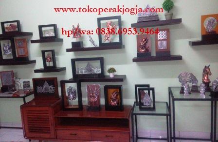 souvenir nikah, souvenir seminar, souvenir, souvenir jogja, pengrajin perak, pengrajin kotagede, toko souvenir,