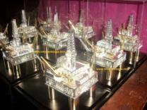 rig laut, pertamina, miniaturrig offshore platform, miniatur oil drilling rig, rig laut, rig raisis, rig jack up, shelf drilling rig, miniatur perak kotagede, miniatur silver kotagede