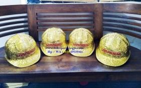 Helm ukir perak, helm ukir, helm tatah, pengrajin helm ukir kotagede, kerajinan helm ukir kotagede. toko helm perak, helm ukir silver, helm ukir tembaga, helm ukir kuningan, helm ukir alumunium, engraved hard hat, engraved hard hat for sale, engraved aluminum hard hat, brass hard hats, copper hard hats, engraved silver hard hat, personalized hard hats, carved hard hat, Carved helmet, hand carved hard hats, engraved hard hats indonesia, Silver carving helmet, custom hard hat, helm ukir pertambangan laut, helm ukir pertambangan darat, helm ukir pertambangan gas, helm tambang, helm ukir lapis mas pulau intan