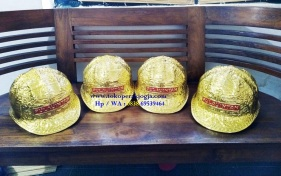 Helm ukir perak, helm ukir, helm tatah, pengrajin helm ukir kotagede, toko helm perak, helm ukir silver, helm tembaga, helm kuningan, helm alumunium, engraved hard hat, engraved hard hat for sale, engraved aluminum hard hat, brass hard hats, copper hard hats, engraved silver hard hat, personalized hard hats, carved hard hat, Carved helmet, hand carved hard hats, engraved hard hats indonesia, Silver carving helmet, custom engraved hard hat, helm ukir lapis mas pulau intan, helm ukir pertambangan laut, helm ukir pertambangan darat, helm ukir pertambangan gas, helm tambang, helm ukir pertambangan batubara