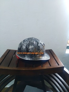 Helm ukir perak, helm ukir, helm tatah, pengrajin helm ukir kotagede, kerajinan helm ukir kotagede. toko helm perak, helm ukir silver, helm ukir tembaga, helm ukir kuningan, helm ukir alumunium, engraved hard hat, engraved hard hat for sale, engraved aluminum hard hat, brass hard hats, copper hard hats, engraved silver hard hat, personalized hard hats, carved hard hat, Carved helmet, hand carved hard hats, engraved hard hats indonesia, Silver carving helmet, custom hard hat, helm ukir pertambangan laut, helm ukir pertambangan darat, helm ukir pertambangan gas, helm tambang, helm ukir pertambangan batubara, helm safety proyek, helm safety macdonald, helm safety pertamina, helm safety freeport, Motif Batik kalimantan, motif batik bangka, motif batik kalimantan tengah, motif batik kalimantan barat, motif batik kalimantan selatan